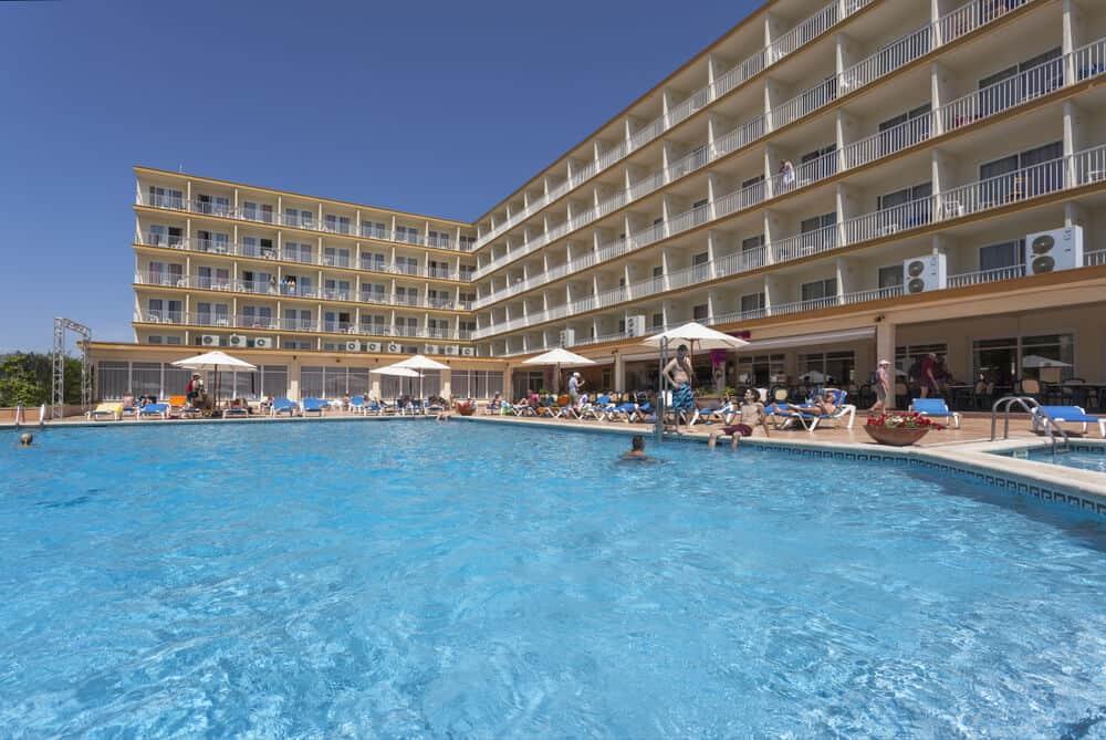 hotel-roc-leo-piscina-exterior1